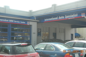 International Auto Specialist