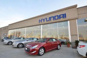 Arrow Hyundai