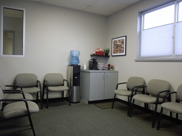Ray's Automotive Center - Our waiting room offers coffee, water, hot chocolate, and tea.