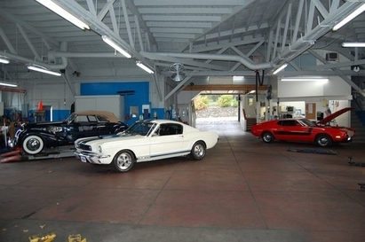 Orinda Motors Inc - Classic car language spoken at Orinda Motors.