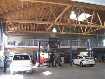 Luscious Garage | Hybrid Specialists - Interior of shop