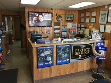 Carpenter's Auto Service - Carpenter's Auto Service is a NAPA AutoCare Center, which allows them to offer their customers the NAPA Peace of Mind 24-month, 24,000-mile warranty on all qualifying repairs.