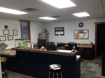 HCS Auto Repair - Service Counter