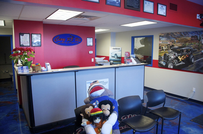 Carz R Us Auto Repair & Tires - This is a picture of our great lobby. We also have a kids area behind the camera angle and a fish tank with all sorts of fish that the kids love (even sharks)!