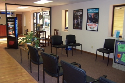 Tri City Auto Care - Comfortable waiting area with WIFI service.